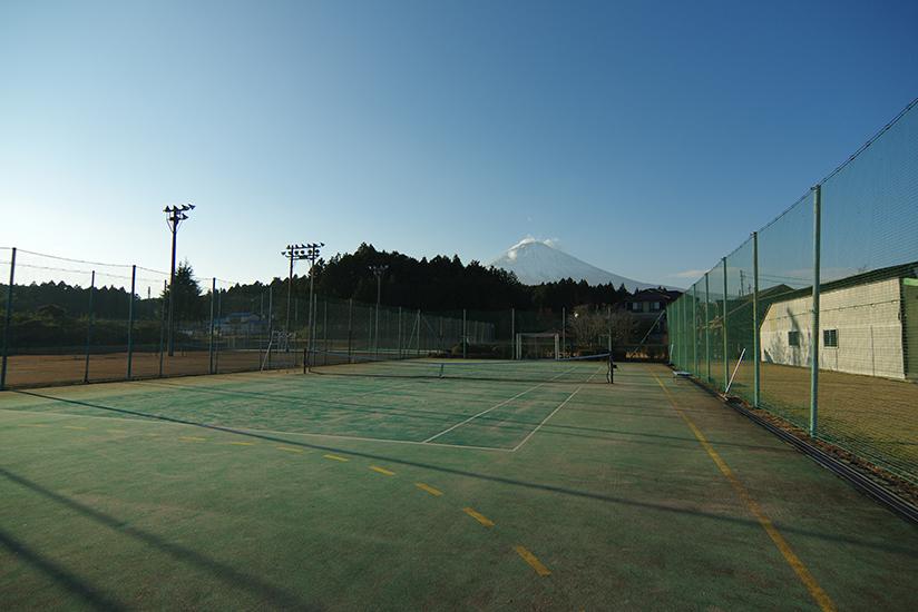 ワン・ペニーテニスクラブ